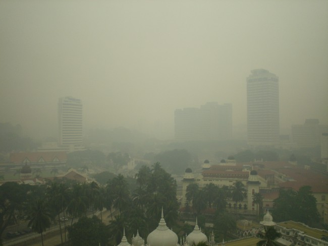 Haze that engulfed Kuala Lumpur in 2003. Photo by servus. Creative commons licence.